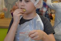 Ekskursija uz fabriku Adažu čipsi